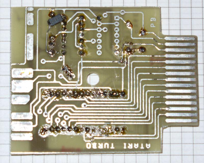 http://seban.pigwa.net/uicr0bee/carts/TurboROM/photos/TurboROM_pcb_bot.jpg